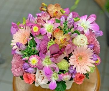 東京都大田区山王 大森の花屋 大花園(だいかえん)季節の旬な花をあなただけの贈り物に!上質でモダンな花贈りを大森スタイルでお届けします。